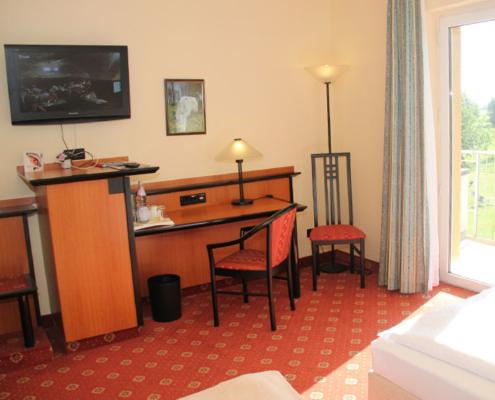 Das Landhotel Löwenbruch - Besipiel Zimmer mit Gartenblick und TV