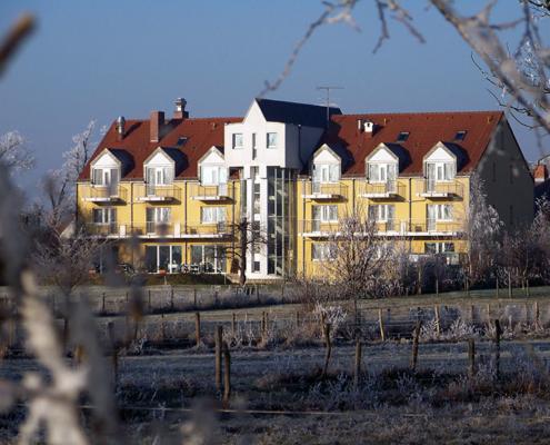 Das Landhotel Löwenbruch an einem sonnigen Novembertag