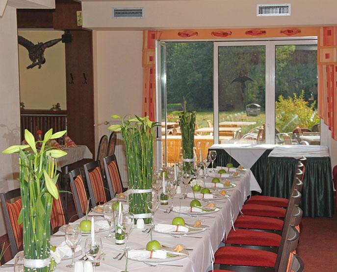Das Restaurant »Zum Galloway« - Bild festlich gedeckter Tisch