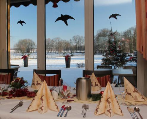 Das Restaurant »Zum Galloway« - Bild weihnachtliche Deko - bereit für die Gäste