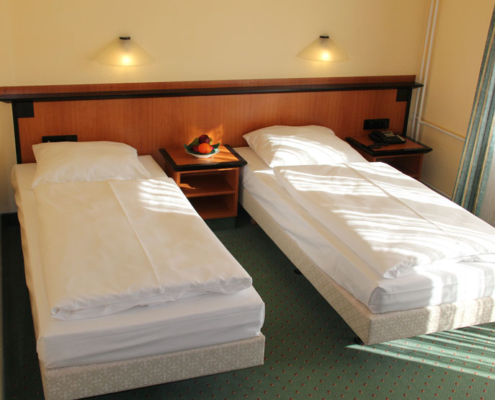 Landhotel Löwenbruch - Ansicht Komfort-Doppelzimmer mit zwei Einzelbetten