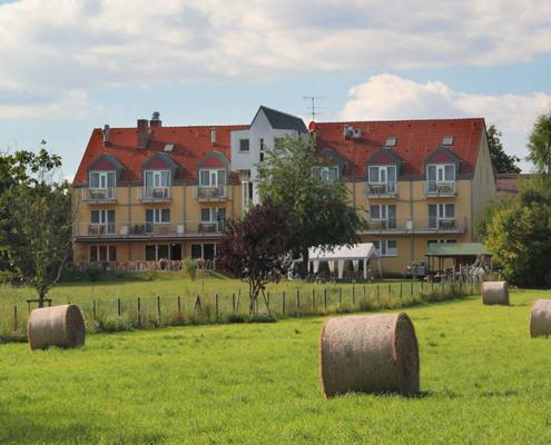 Das Landhotel Löwenbruch - Bild zur Heuernte
