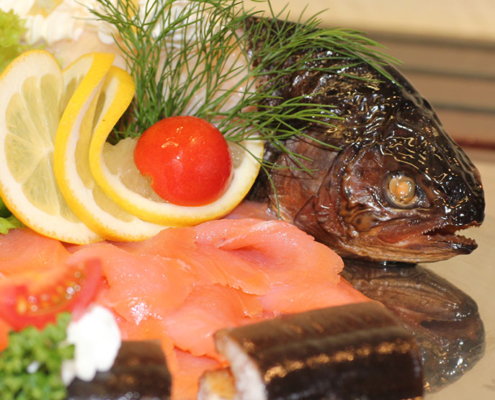 Genießen Sie eine lecker Fischplatte im Restaurant »Zum Galloway«